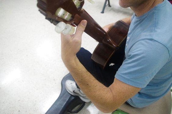 La biomecánica al servicio del músico (I): ¿Qué es una postura forzada? | http://promocionmusical.es/: