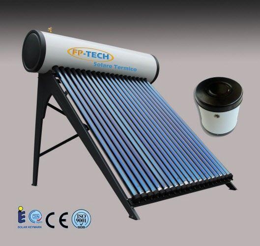 Pannello Solare Termico per la produzione di acqua calda da 70 litri, adatto per 1-2 persone. Questo Sistema non necessita di Corrente elettrica, quindi e' adatto anche per case in campagna, piccole baite o campeggi. Garantito 2 anni sulla struttura e 15 anni sui tubi. Il Kit include dei pannelli riflettenti per il recupero di maggior calore, barilotto da 3 Lt per il riempimento e tutto l'occorrente per il montaggio. CERTIFICAZIONE ISO 9001-2000 e CE