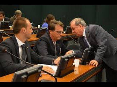Eduardo Bolsonaro acaba com Paulo Pimenta , defendendo o Pai de não esta...