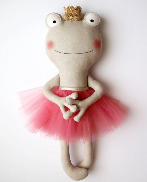 Made to Order. The frog princess. Stuffed animal coral par blita