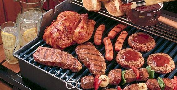 Truc #1: toujours marquer sa viande La grille de votre BBQdoit être propre et trèschaude quand on y dépose nos pièces de viande. Celles-ci doivent toutes être orientées dans le même sens, en diagonale par rapport aux lignes du gril. Quandla viande