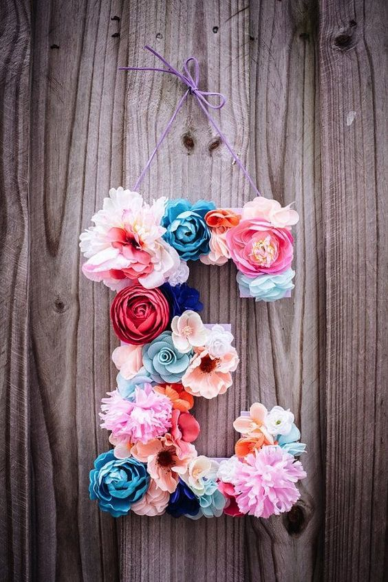 letra-e-decorada-flores: