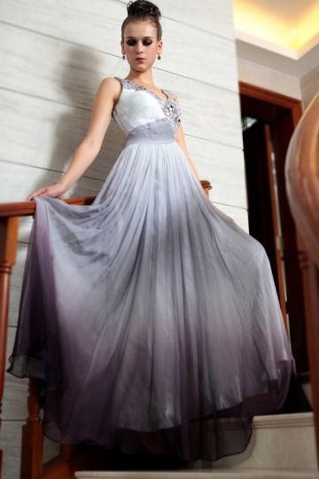 Robe grise de soirée fleurs dentelles ornée de bijoux. Cliquez pour l'acheter :  http://www.persun.fr/robe-grise-de-soiree-fleurs-dentelles-ornee-de-bijoux-p-6323.html