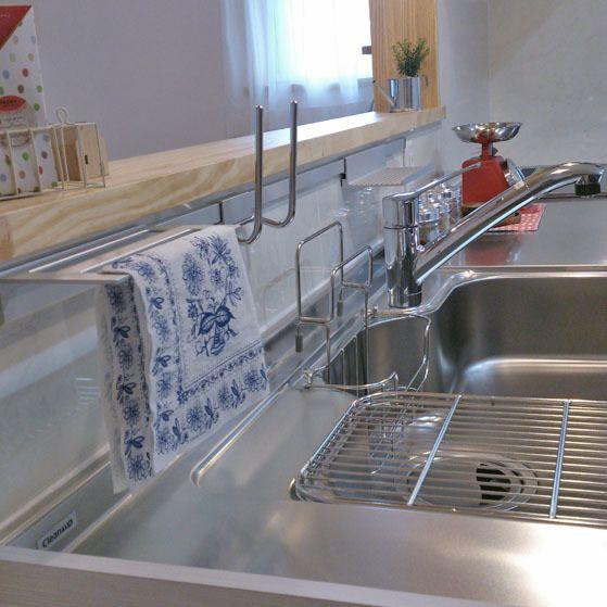 キッチンカウンターの前などの狭いスペースを有効活用 キッチン自立