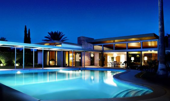 Frank Sinatra's house in Palm Springs CA built in 1948.  Architect: E. Stewart Williams