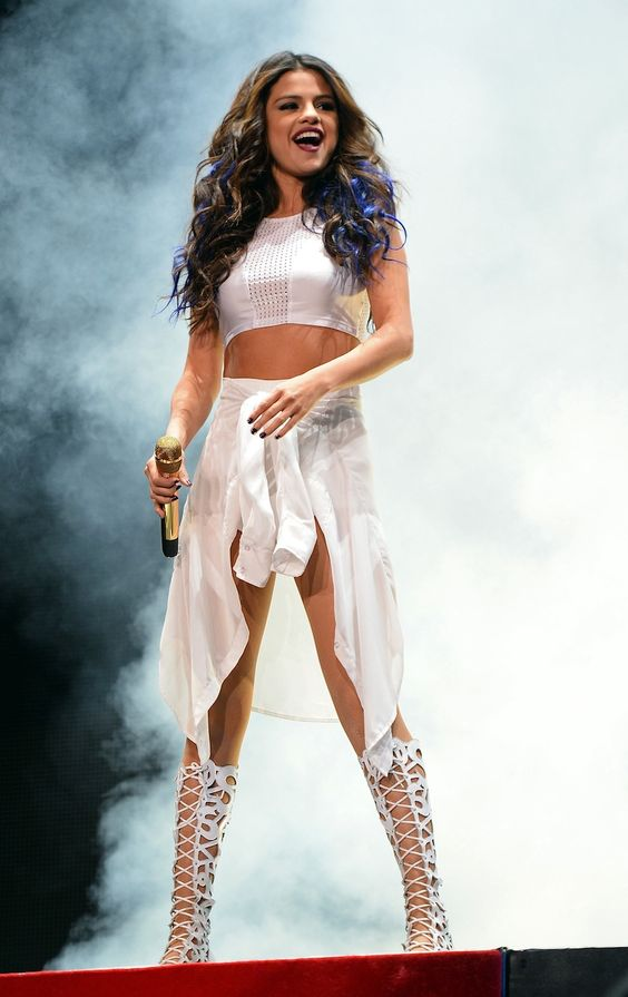 Wow! I love that outfit! It's so cool on her! Those blue highlights in her hair are awesome! She is so pretty! I love her! #selenator