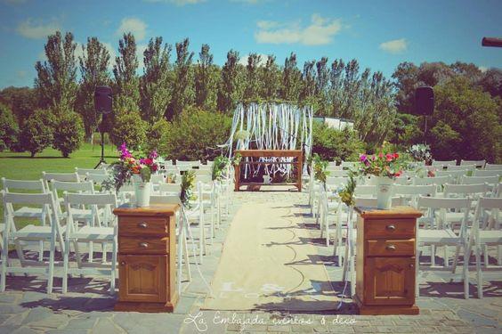 Altar de boda campestre https://www.facebook.com/LaEmbajadaEventos?ref=ts&fref=ts