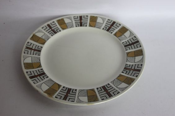 Kathie Winkle dinner plate Concord by millcottagevintage on Etsy, £5.00