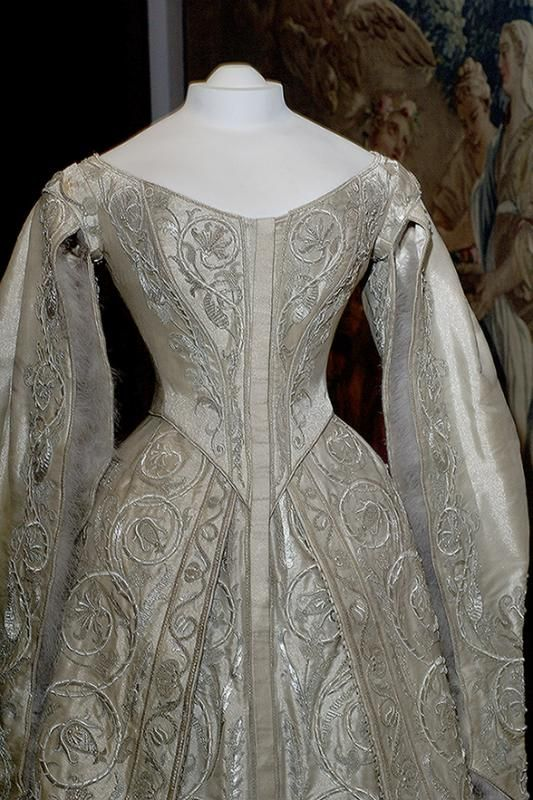 Catherine the Great Wedding Dress, 1745, (c) Kremlin Armory, Moscow, Russia photography (c) William F. Adams