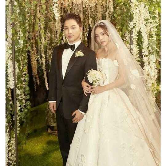 Taeyang Minhyorin Wedding Min Hyo Rin Wedding Wedding Dresses