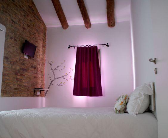 #HostalCling  #almohada #almohadas #descanso #cama #somier #viscolástica #dormir #electrodomésticos #relax #masaje #masajes #crema #cremas #aloevera #rosamosqueta #transpirable #carbono #colchon #colchones