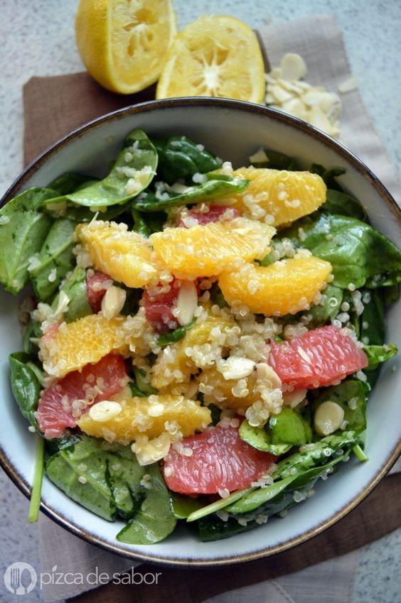 Ensalada de quinoa, espinaca y naranja - Pizca de Sabor