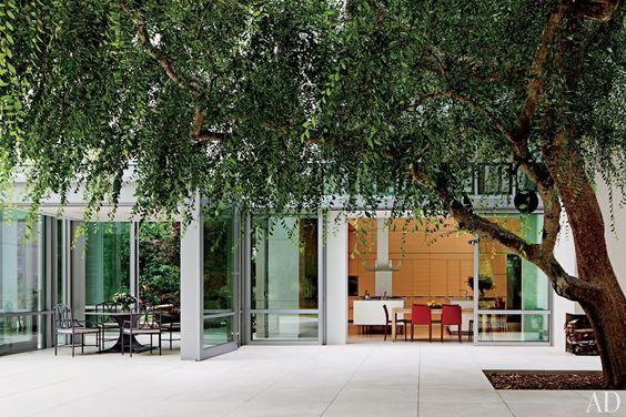 Interiors: LA Home Brings The OutdoorsIn - Modern Glamour Blog - Sukio