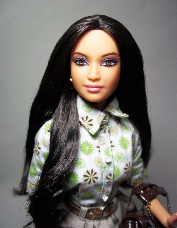 Kardashian Barbie Dolls | ... West Explains Her Best » 930×1200-Kim-Kardashian-Barbie-portable