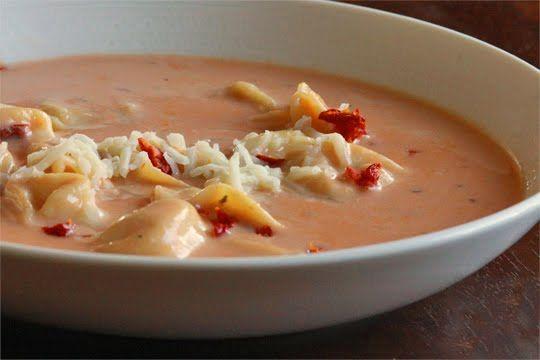 Tortellini Tomato Soup: Tomato Soups, Tomato Tortellini Soup, Recipes Soups, Chili Soups, Saucy Soups, Comforting Soups, Food Soup, Favorite Soups
