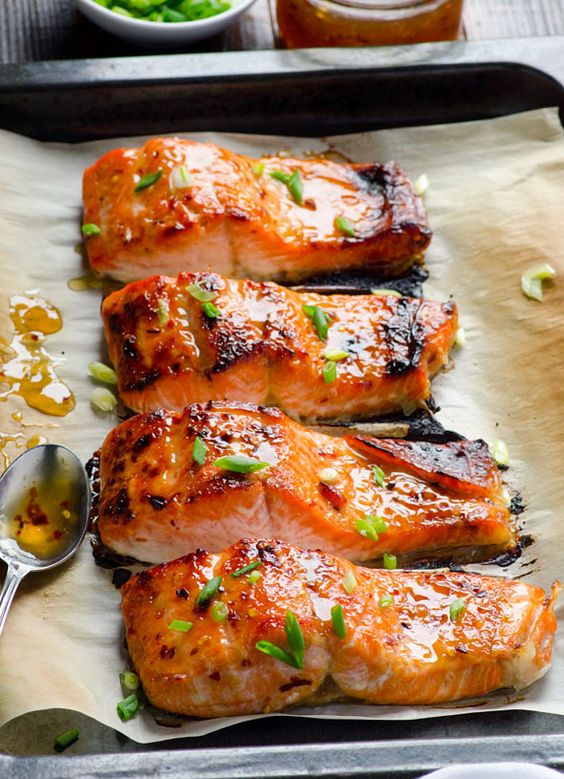 Clean Eating Baked Thai Salmon http://www.changeinseconds.com/clean-eating-baked-thai-salmon/ #glutenfree