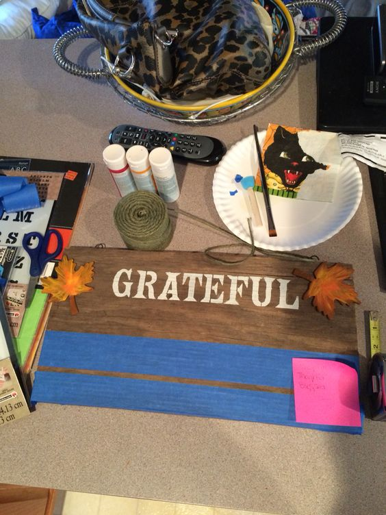 Thanksgiving sign progress