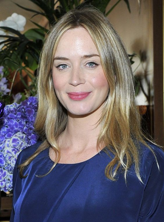 Pin for Later: The Hot Hollywood Mamas of 2014 Emily Blunt Emily became a mom for the first time in February, when she and husband John Krasinski welcomed daughter Hazel.