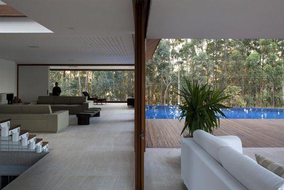 MAN - Casa em Condomínio por Gálvez & Márton Arquitetura