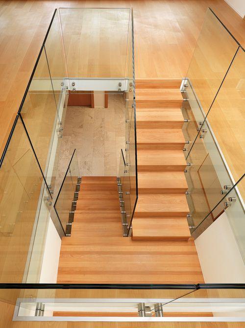 Escalera de Madera y cristal http://www.escaleraslaravid.com