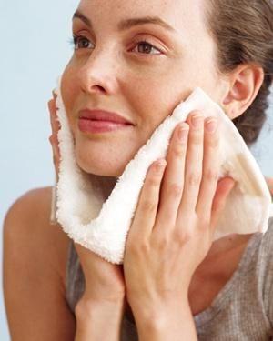 روتین پوست و پاک کردن عمقی پوست-خانومی
