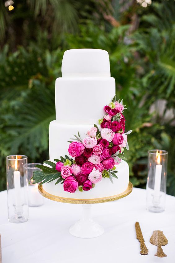 Pink rose sash wedding cake | fabmood.com