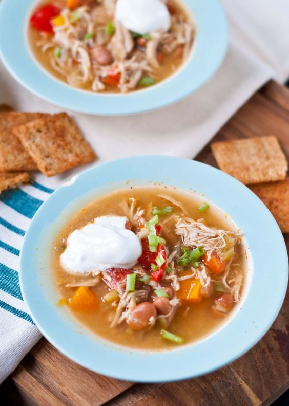 Slow Cooker White Chicken Chili | Neighborfoodblog.com