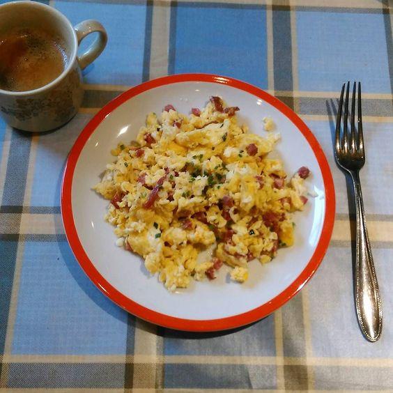 #breakfast#eggs#rührei#lowcarb#frühstück#breakfastlove#lalala#healthy#hihi#food#foodporn#foodlove#party by evalisation