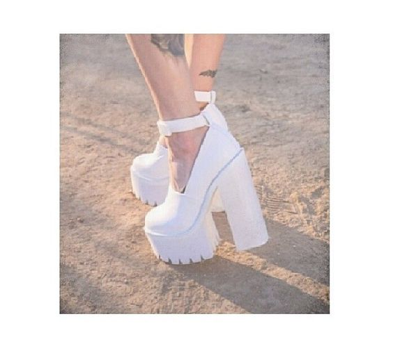 Platform white chunky heels | Shoe porn | Pinterest | In my life ...