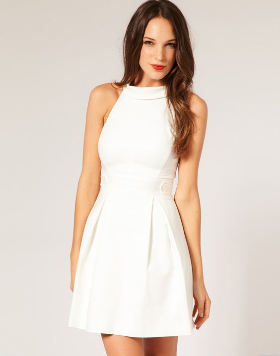 LITTLE WHITE DRESS ALWAYS STANDS APART  Beach dresses Plus size ...