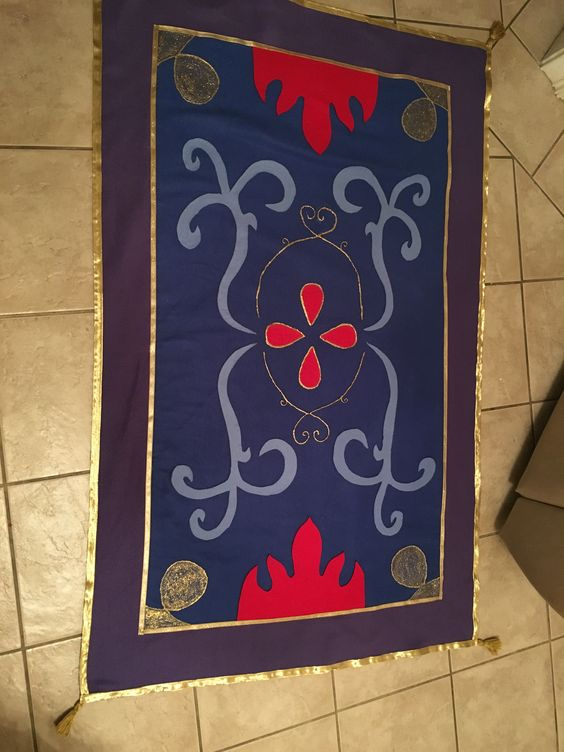 Aladdin Hand made magic carpet! 2016 | Pinatas/DIY crafts ...