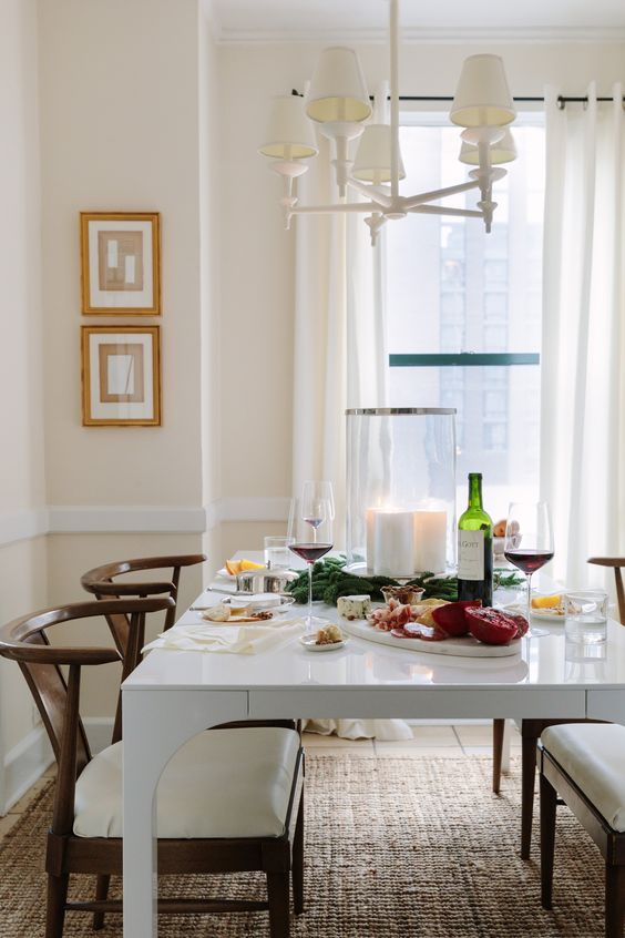 Designer Josh Young Holiday Decorating Tips Chicago Apartment Tour Dining Room Inspiration Elegant Home Decor Dining Room Decor