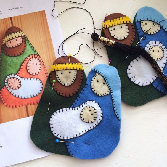 SewChic: Felt Nativity Ornament: