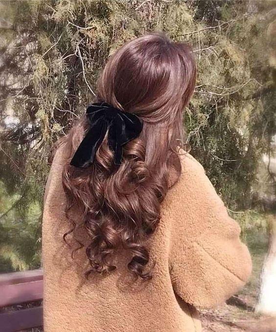 Oltre 33 idee per capelli da medie a lunghe