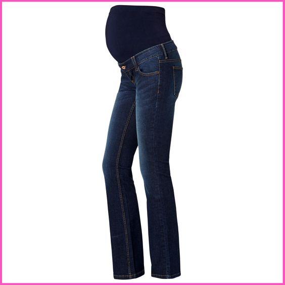 Flared jeans zijn weer helemaal terug deze herfst. Draag ze met onze furry 70's gilet!
