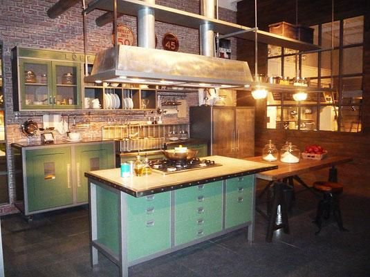 Industrial and turquoise on pinterest - Cocina estilo industrial ...