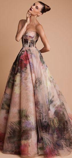 Un vestido increíble de RANI ZAKHEM