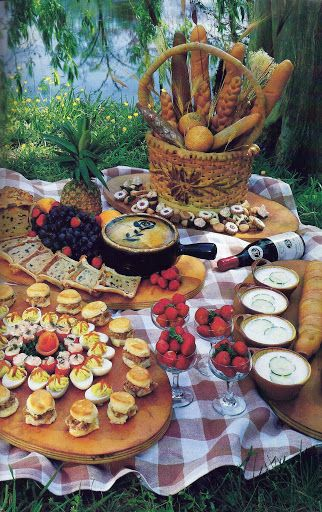 Chilled Cucumber Soup with Tarragon, Buttermilk Biscuits with Minced Virginia Ham or Smoked Turkey Breast,  Pate' Maison, Shrimp Tomatoes, Strawberries Marinated in Grand Marnier, and Lace Cookies make a delightful Picnic on the James River
