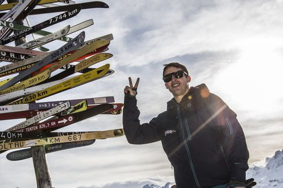 Pin for Later: This Week's Can't-Miss Celebrity Photos  James Blunt performed at the top of a mountain in Austria.