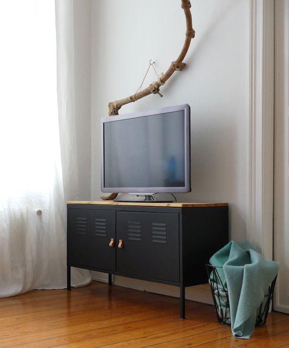 aus altem ikea ps schrank wird eine schlichte aber dennoch schicke tv bank im industrial style. Black Bedroom Furniture Sets. Home Design Ideas