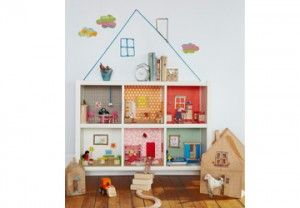 Easy DIY! Turn a bookcase into a dollhouse