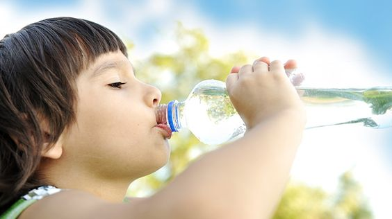 Heiß, heißer, Sommer: warum Trinken wichtig ist! - https://www.gesundheits-frage.de/gesundheit-krankheit/3170-heiss-heisser-sommer-warum-trinken-wichtig-ist.html