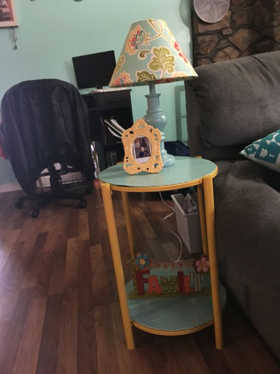 Soy side table
