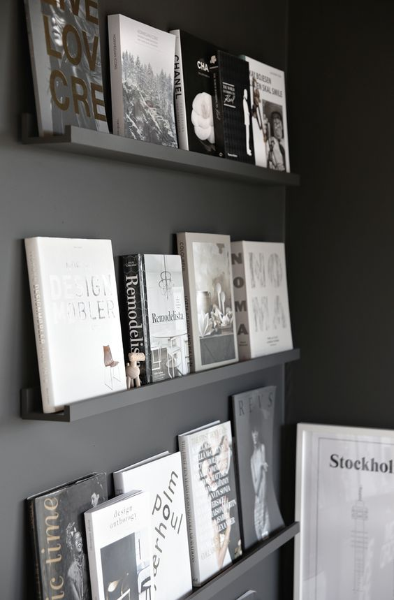 Black wall + books via Stylizimo: