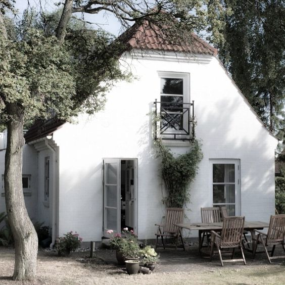 Cottages white cottage and french on pinterest French cottage homes