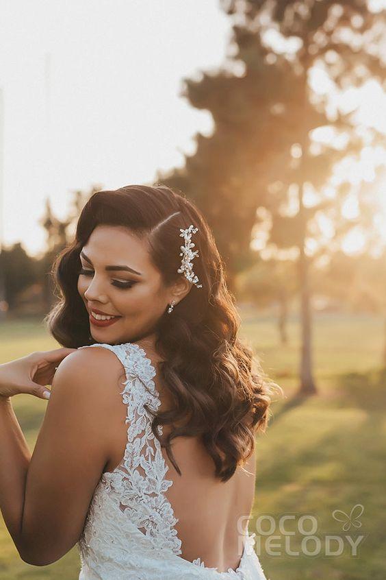 #cocomelody #cocomelodybride #weddingdress #sheathweddingdress #lacebridalgown