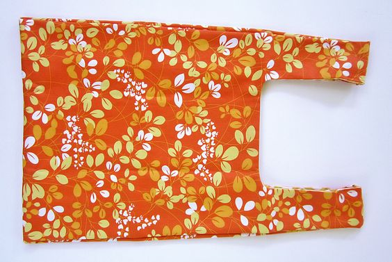 Simply Color by Vanessa Christenson for Moda: Foldaway Shopping Bag with Carrying Case | Sew4Home