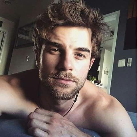 Nathaniel Buzolic beard