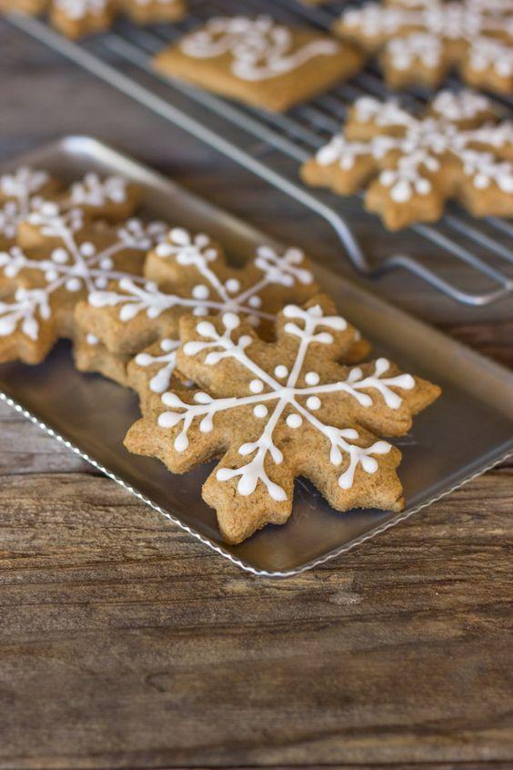 Iced biscoito de Graham Flocos de neve - biscoitos caseiros feitos com farinha de trigo integral e mel