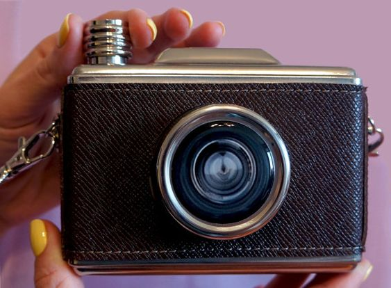 Hey, I found this really awesome Etsy listing at https://www.etsy.com/listing/290294697/vintage-camera-hip-flask-liquor-flask